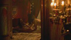 Голая Валентина Варгас в фильме «Восставший из ада 4. Кровное родство» фото #1