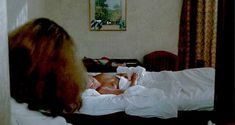 Голая Валери Каприски в фильме «Год медуз» фото #36