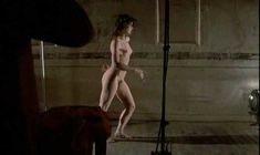 Голая Валери Каприски в фильме «Публичная женщина» фото #14