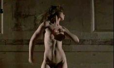 Голая Валери Каприски в фильме «Публичная женщина» фото #15