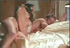 Голая Габриэлла Холл в порнухе The Pleasure Zone фото #5