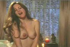 Голая Габриэлла Холл в сериале «Сказки на ночь» фото #7