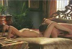 Голая Габриэлла Холл в сериале «Сказки на ночь» фото #10
