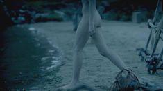 Голая Гайя Уайсс в сериале «Викинги» фото #5