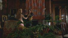Грета Скакки без одежды в фильме «Красная скрипка» фото #2