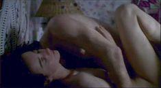 Красивая Джейн Адамс показала голую грудь в фильме «Счастье» фото #2
