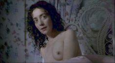 Красивая Джейн Адамс показала голую грудь в фильме «Счастье» фото #3