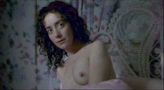 Красивая Джейн Адамс показала голую грудь в фильме «Счастье» фото #4