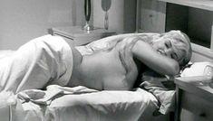 Голая Джейн Мэнсфилд в фильме «Обещания! Обещания!» фото #9