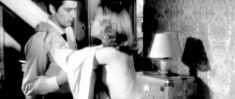 Красотка Джейн Фонда засветила сиську в фильме «Хищники» фото #3