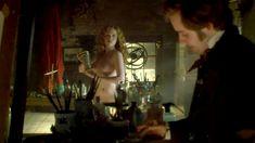 Голая Дженни Жак в сериале «Отчаянные романтики» фото #9