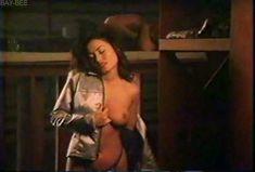 Голая грудь Дженни Миллар в фильме «Взломщики сознания» фото #4