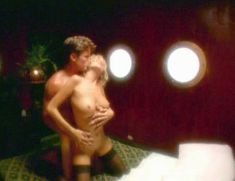 Полностью голая Дженнифер Бер в фильме «Эмманюэль. Волшебство секса» фото #6