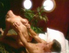 Полностью голая Дженнифер Бер в фильме «Эмманюэль. Волшебство секса» фото #7