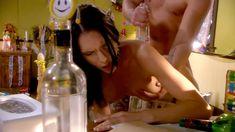 Голая Дженнифер Дарк в сериале «Тайны и секреты личной жизни студентов» фото #26