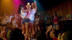 Голая Дженнифер Спаркс в сериале «Тайны и секреты личной жизни студентов» фото #27
