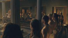 Голая Джессика Грэйс Смит в сериале «Спартак. Боги арены» фото #9