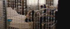 Голая попа Джоди Уиттакер в фильме «Тысяча поцелуев» фото #4