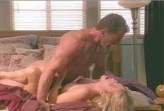 Голая Джулия Круиз в сериале «Лучший секс в вашей жизни» фото #12