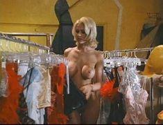 Джулия Энн в порнофильме Veronica фото #9