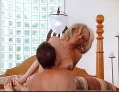 Джулия Энн в порнофильме Veronica фото #20