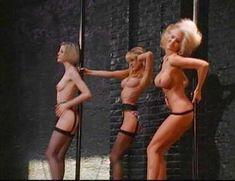 Джулия Энн в порнофильме Veronica фото #29