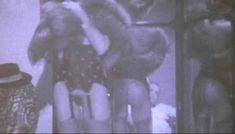 Горячая Зара Уайтс снялась полностью голой в фильме «Все леди делают это» фото #2