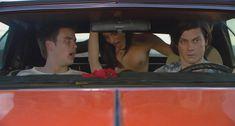 Ив Мауро показала голую грудь в фильме «Мисс Март» фото #2