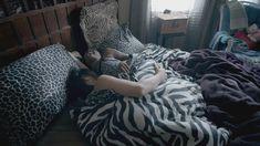 Голая Исидора Горештер в сериале «Бесстыдники» фото #1
