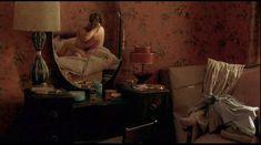 Красотка КаДи Стрикленд оголила грудь и попу в фильме «Уокер Пейн» фото #6