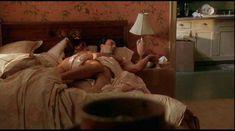 Красотка КаДи Стрикленд оголила грудь и попу в фильме «Уокер Пейн» фото #8