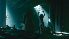 Голая Карен Хассан в сериале «Викинги» фото #5