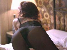 Кари Вурер оголила грудь в фильме «Безжалостная попутчица» фото #2
