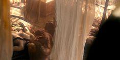 Голая Каришма Ахлувалиа в сериале «Марко Поло» фото #7