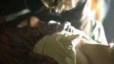 Голая Каролин Давернас в фильме «На грани безумия» фото #23