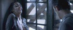 Каролина Гуерра засветила голую грудь в фильме «Галлоуз Хилл» фото #2