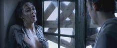 Каролина Гуерра засветила голую грудь в фильме «Галлоуз Хилл» фото #3
