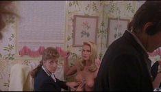 Келли Линч засветила грудь в фильме «Часы отчаяния» фото #8