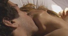 Келли Райлли засветила грудь в сериале «Русские матрешки» фото #1