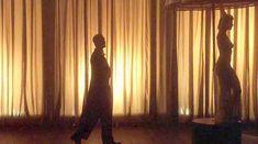 Голая Келли Райлли в фильме «Миссис Хендерсон представляет» фото #17