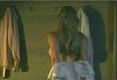 Голая Кендалл Кросс в сериале «Пистолет мертвеца» фото #1