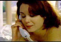 Голая Киган Коннор Трейси в сериале «Попрошайки и выборщики» фото #1