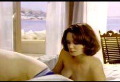 Голая Киган Коннор Трейси в сериале «Попрошайки и выборщики» фото #3