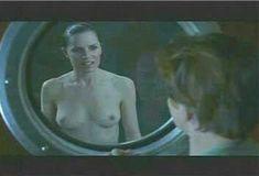 Голая Ким Диккенс в сериале «Развал» фото #1