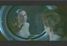 Голая Ким Диккенс в сериале «Развал» фото #2