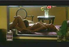 Голая Ким Диккенс в сериале «Развал» фото #19