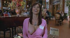 Кимберли Пейдж показала голую грудь в фильме «Сорокалетний девственник» фото #2