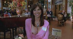Кимберли Пейдж показала голую грудь в фильме «Сорокалетний девственник» фото #3