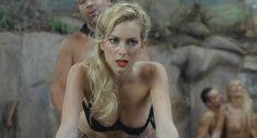 Голая Кира Миро в фильме «Не зови это любовью, зови порно» фото #2
