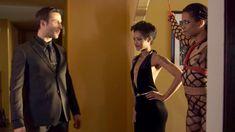 Голая Кира Нуар в сериале «Подчинение» фото #2